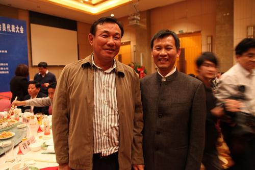 海南省政协副主席史贻云、海口市副市长鞠磊出席了此次峰会并作发言。