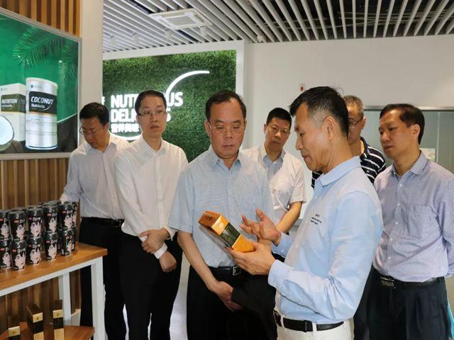 刘汉惜董事长介绍椰子营养素产品