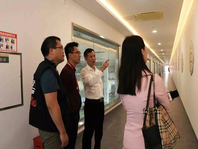 刘汉惜董事长在讲述南国发展历程