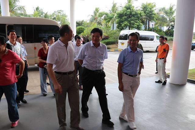 海南省人大副主任莅临南国健康产业园考察调研