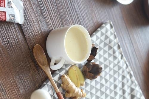 女人经常喝生姜椰子粉的好处